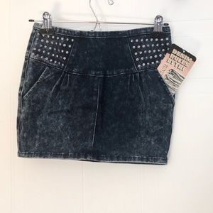 💙Denim Skirt Round Stud Detail 💙